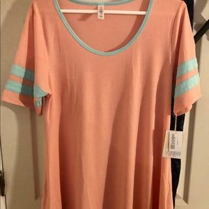 Lularoe Perfect T (Large)